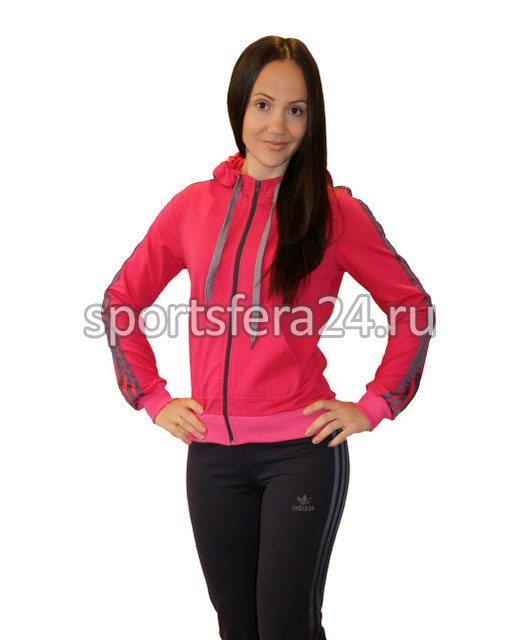 Фото женского спортивного костюма малинового/черного цвета