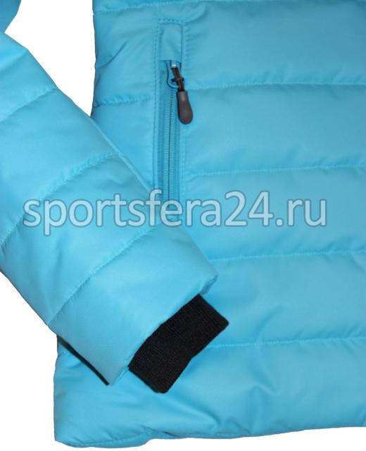 Фото трикотажный манжет в зимней куртке