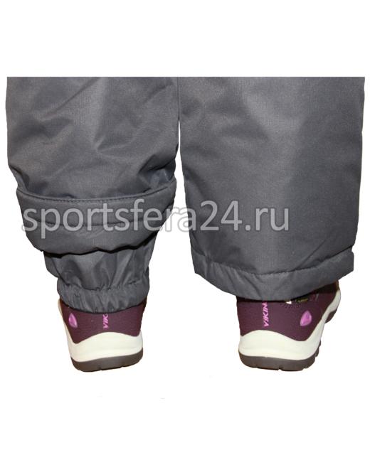 Фото зимнего комбинезона, снегозащитные внутренние манжеты на обувь